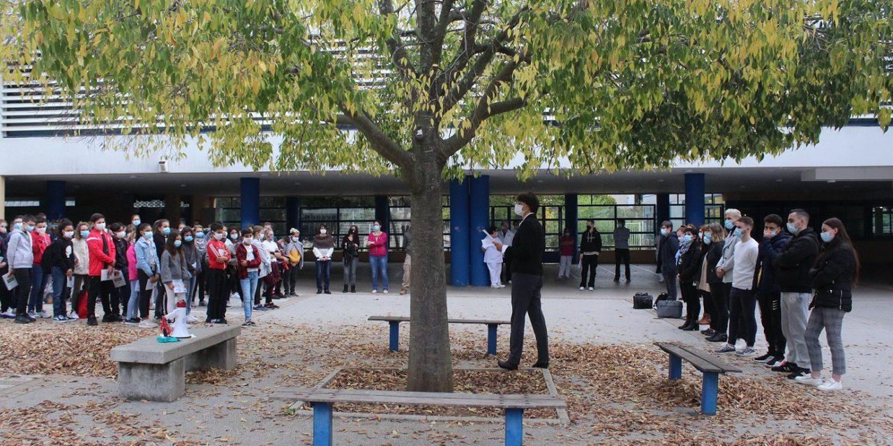 Mobilisation nationale pour l'hommage à Samuel Paty : Les collégiens participent à une minute de silence